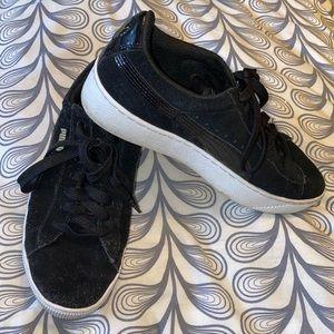 Puma Vikky Suede Platform Sneaker